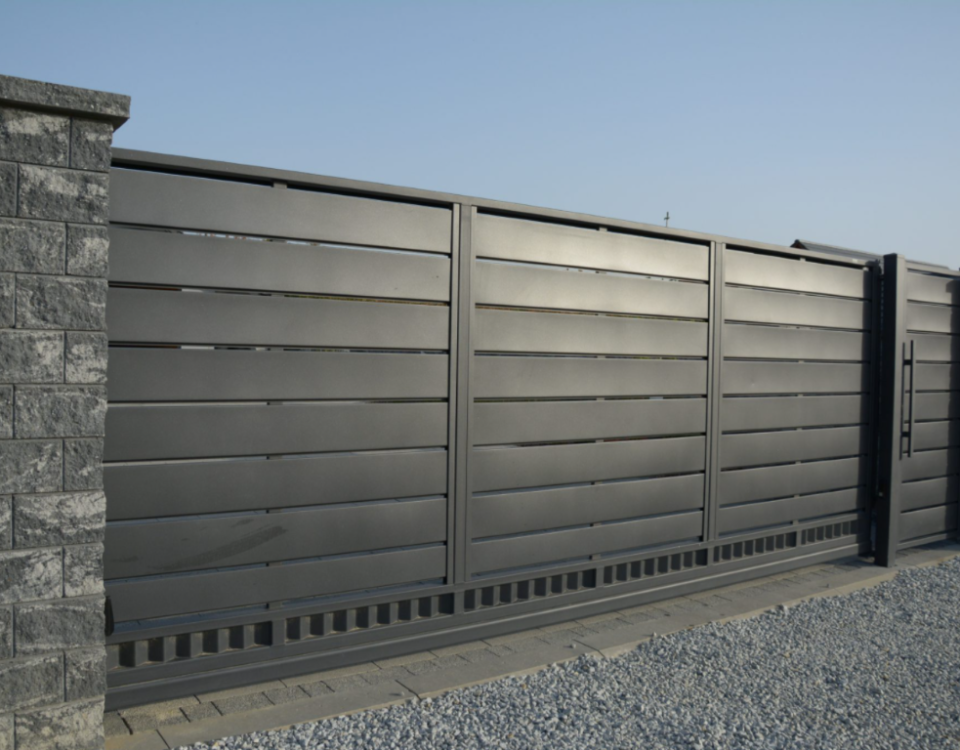 Moderne poort Travertine